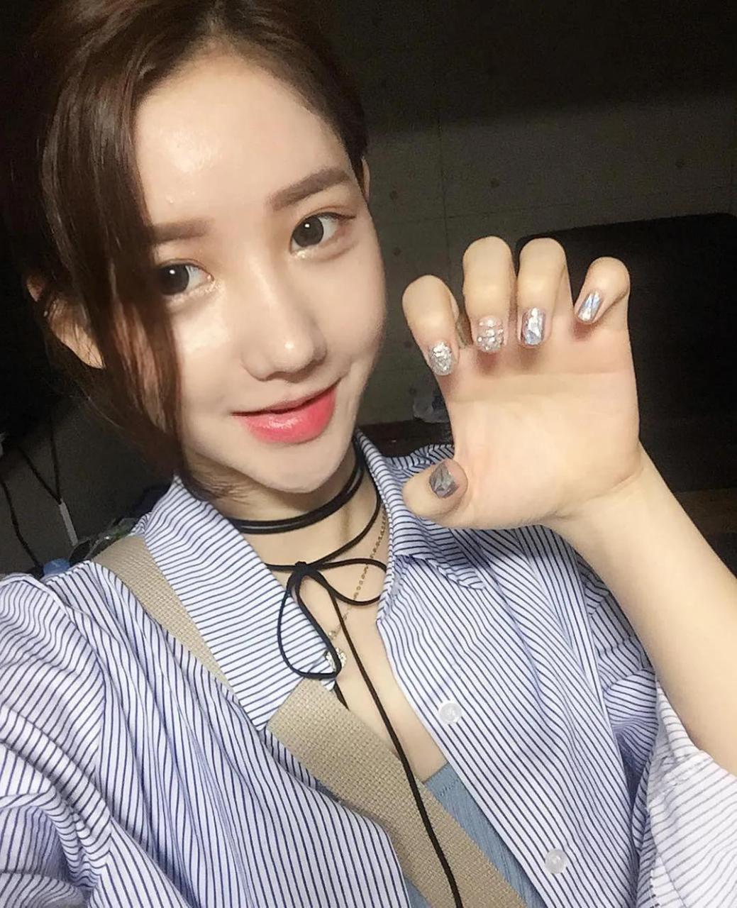 「美图」韩国网红2km,美艳动人